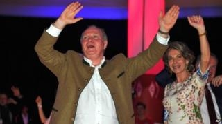 Former Bayern Munich club president Uli Hoeness celebrates during the official Champions party in Munich (10 May 2014)