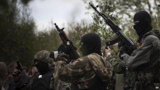 Masked pro-Russia militia near Sloviansk