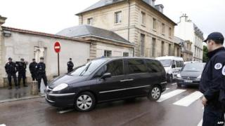 Suspect Mehdi Nemmouche arrives for appeal hearing at Versailles appeal court (4 June)
