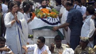Federal minister Gopinath Munde was cremated with full state honours on Wednesday