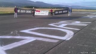 Runway protest
