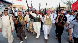 Shia fighters in Baghdad's Sadr City