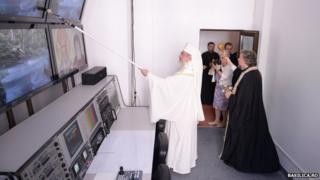 Patriarch Daniel anoints TV broadcast equipment