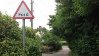 Ford warning sign in Stowey