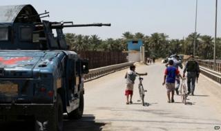 Iraqi federal police patrol