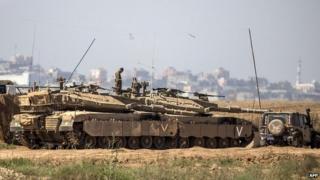 Israeli troops on the Gaza border. 3 July 2014