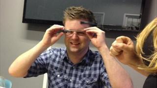 Dave Lee tests Google Glass hack