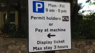 Kingsdown Parking Zone sign