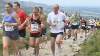 Runners in the Snowdon Race