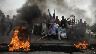 Muslim and Sikh groups are blaming each for the clashes, reports say