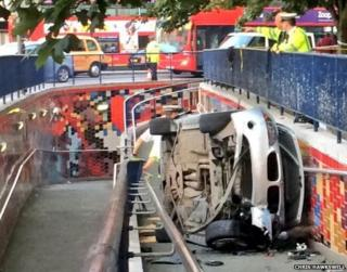 Elephant and Castle crash