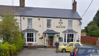 Fox and Hounds, Deanshanger