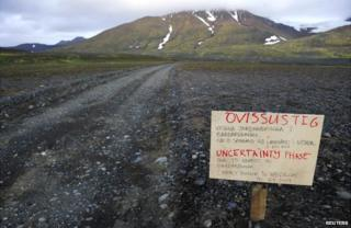 A warning sign on the main road to Bardarbunga volcano - 19 August 2014
