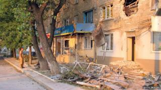 Shell damage in Luhansk (23 Aug)