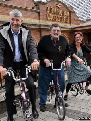(Left to right) Conrad Jones of Centro, Cllr Roger Horton and Cllr Lisa Trickett