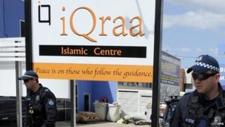 Australian Federal Police outside the iQraa Islamic Centre in Underwood, a suburb of Brisbane, Australia, 10 September 2014