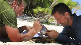 US Senator Jeff Flake (left) and Senator Martin Heinrich appeared on Eru island in August 2014