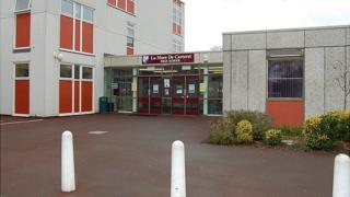 La Mare de Carteret High School, Guernsey