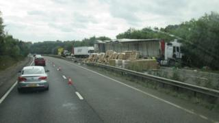 Lorry accident on A34