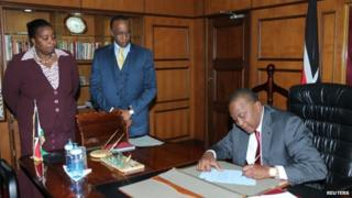 Kenya's President Uhuru Kenyatta appoints Deputy President William Ruto acting president while he attends the ICC (6 October 2014)