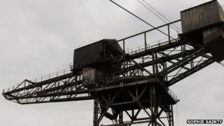 the only remaining pre- WWI hammerhead crane in England