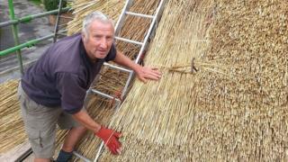 Master thatcher Brian Chalk from Figheldean, Wiltshire