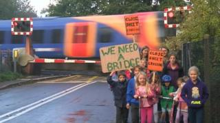 Sheet level crossing protest