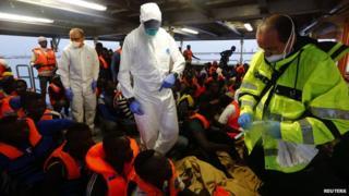 Migrants picked up off Libya, 5 Oct 14