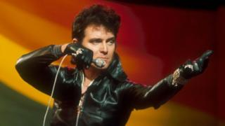 Alvin Stardust on Top of the Pops in 1973