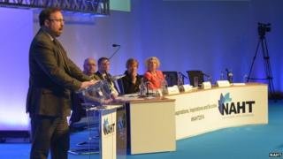 Russell Hobby addresses NAHT conference