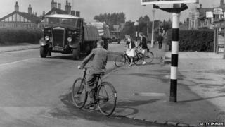 Cycling on the roads 1936