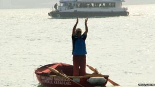 Huseyin Urkmez on his rowing boat