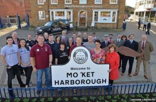 New sign for Mo'ket Harborough