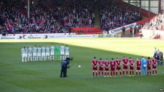 Players observe silence
