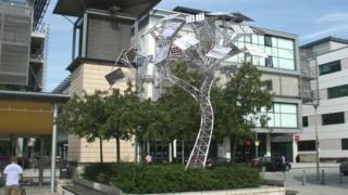 Solar tree planned for Millennium Square, Bristol