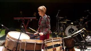 Nicola warming up for SNPTour at The SSE Hydro