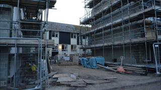 Building of Guernsey's Longue Rue care home