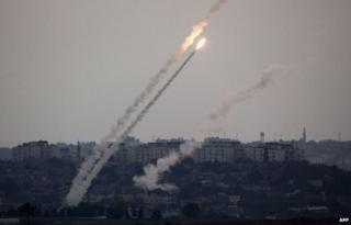 Rockets are fired towards Israel by Palestinian militants in Gaza (11 July 2014)