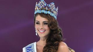 Newly crowned Miss World, South African Rolene Strauss