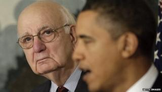 Paul Volcker (l) and President Barack Obama (r)