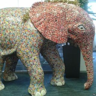 Mosaic elephant jigsaw