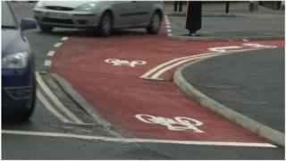 Vogue Gyratory cycle lane