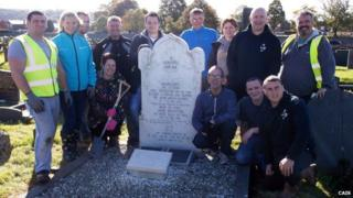 Volunteers clean-up graves at Caernarfon