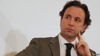 Khaled Khoja at the Syrian Business Forum in Doha (6 June 2012)