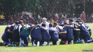 Alberto Vollmer coaching the Tocoron rugby team