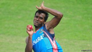 Bangladesh cricketer captain Rubel Hossain delivers a ball during a training session at the Zahur Ahmed Chowdhury Stadium in Chittagong on October 8, 2013