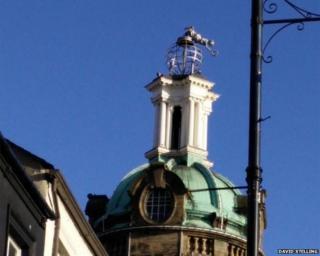 Statue on top of Sunderland Empire theatre