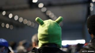Developer in Android hat