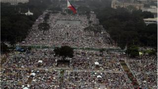 Aerial shot of people waiting for the Pope.