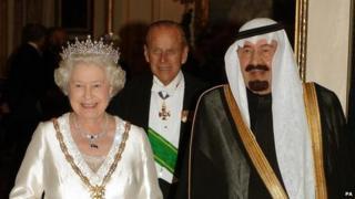 Queen Elizabeth II in a carriage with King Abdullah bin Abdulaziz of Saudi Arabia
